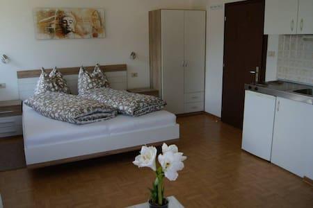 """Doppelzimmer """"Sunset"""" - Bed & Breakfast"""