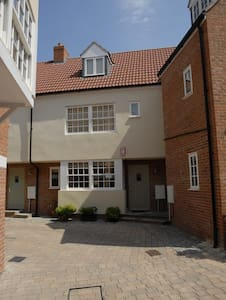 3 Bed Townhouse in Historic Wells - Casa