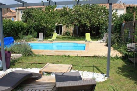 Maison 200m², jardin piscine et spa