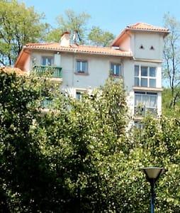 Habitacion con vistas soleada. - Apartamento