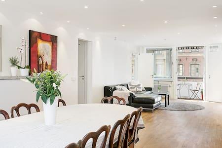 Spacious, fresh & modern flat
