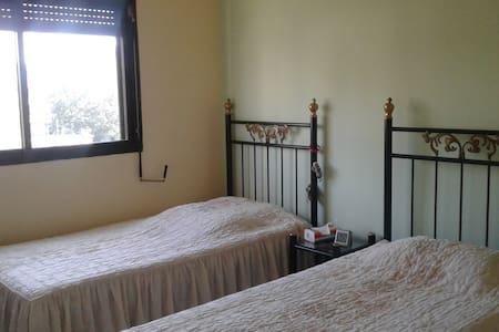 Room for 2 girls - Lejlighed