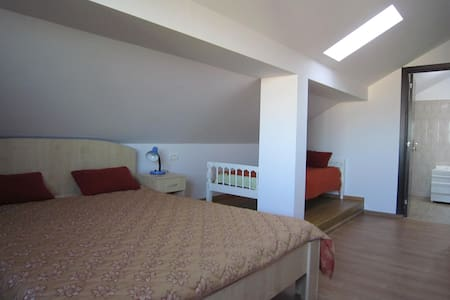 Big and bright room with sea view - Mangalia - Casa