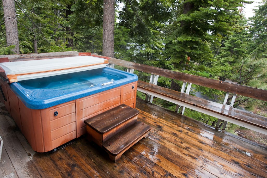 Hot tub on outdoor deck