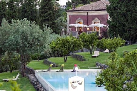 Hermosa casita de diseño en Girona - Apartment
