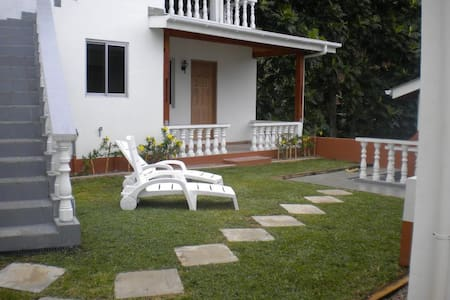 Cosy Bungalow  close to beaches - Bungalow