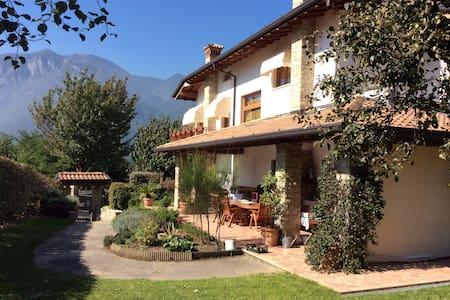 Villa in the heart of the Alps - Artogne