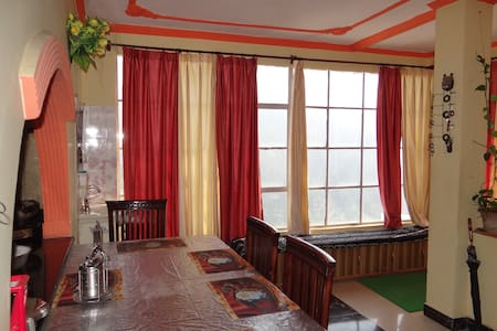 GREEN VALLEY HOME STAY-HOME AWAY FROM HOME - 西姆拉(Shimla)