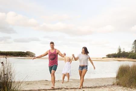 Caloundra Beach Holidays Retreat - Currimundi, Caloundra - Hus