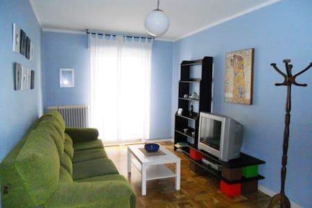 San Fermin, piso completo para 4 personas - Apartament