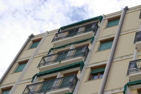 A 100 metri dal mare con ombrellone - Condominium