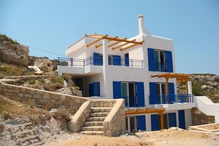 Gorgeous Villa Sea Front - Elafonisos - Villa