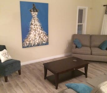 Buttons Airbnb 2 - Eastern Passage - Talo