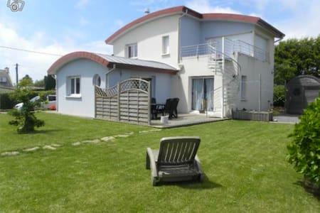 Maison tout confort  3 chambres - Plougonvelin - Haus