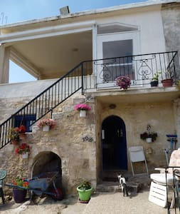 Julie's House-Eleftherna. Renovated stone house. - Eleftherna