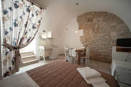 """Casa Vacanza """" Nero di Troia"""" - Trani - House"""