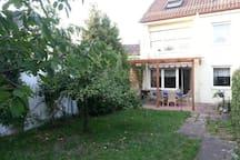Haus in Roth nahe Bhf mit Garten