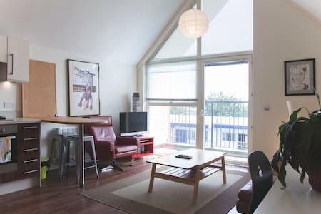 Spacious & Modern Flat In Brockley - Apartamento