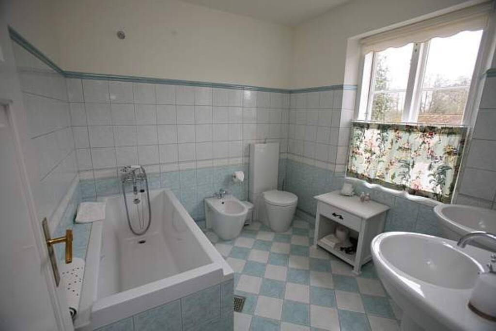 Badeværelse til Anne Beates værelse