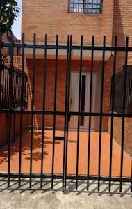 APARTAESTUDIO VALLE DEL LILI - Cali - Appartamento