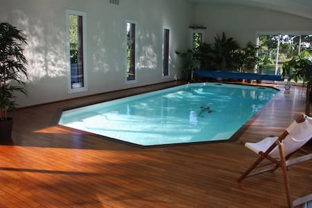 Seaside en-suite room indoor pool - Inap sarapan