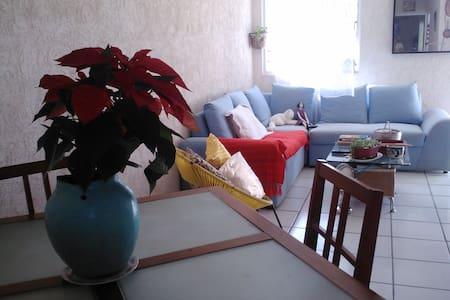 Habitación en casa agradable