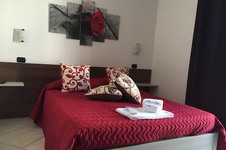 Camera Singola con bagno privato - Bed & Breakfast