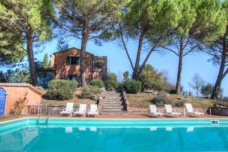 Villa Amelia Umbria con depandance e piscina