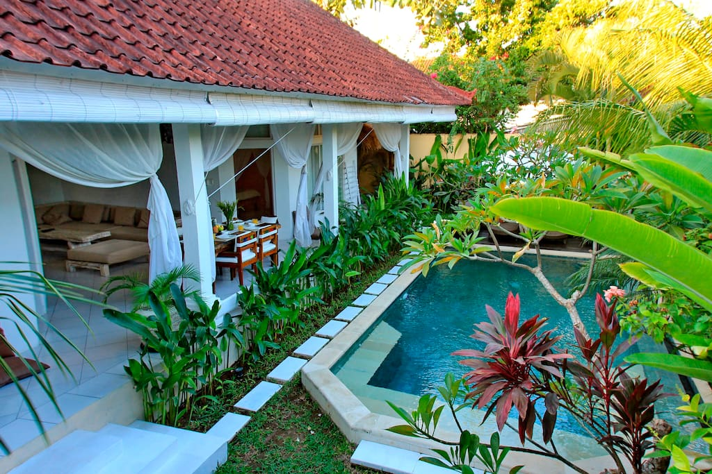 villa with 3 bedrooms and a private swimming pool