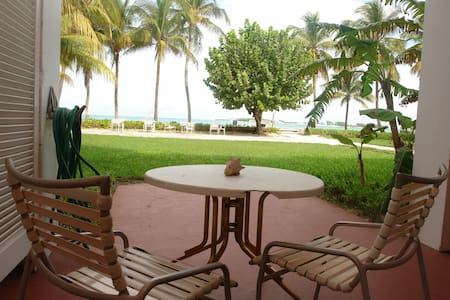Beachfront 1 Bedroom Unit - Nassau - Apartment