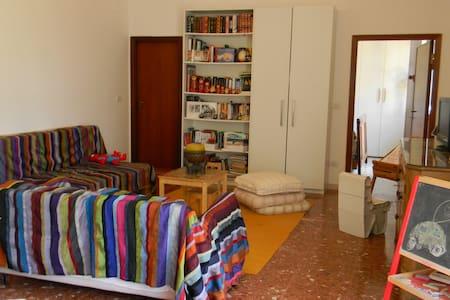 La casa nel bosco, in città - Perugia - Villa