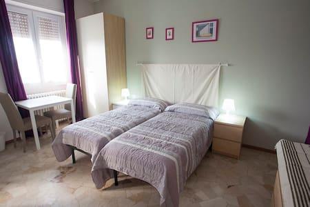 3 beds MM2Crescenzago, private bath