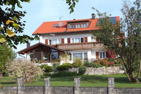 Allgäu - Wohnung im Landhausstil - Lengenwang