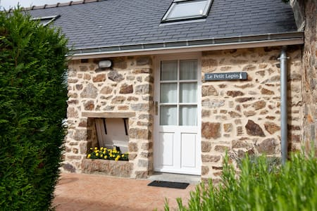 Brittany Cottage near Mt St Michel - Rumah