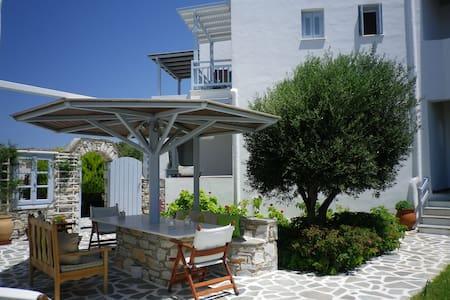 Liana Marouli Apartments