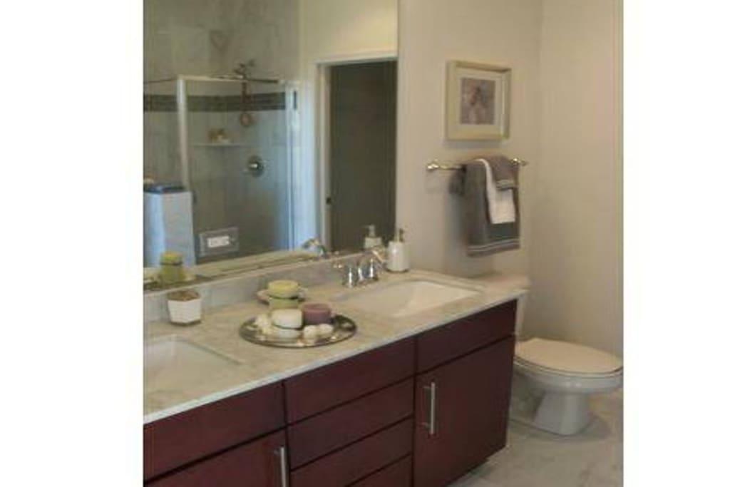 Luxury Private Suite - Cozy Flat