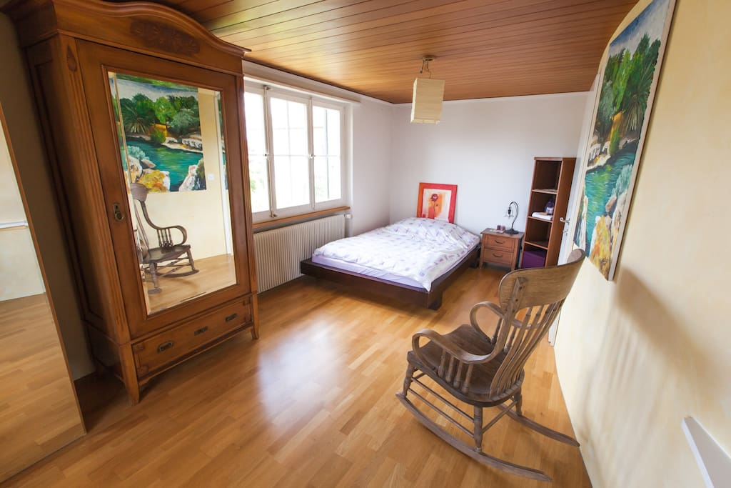 enjoy this bright room with double bed