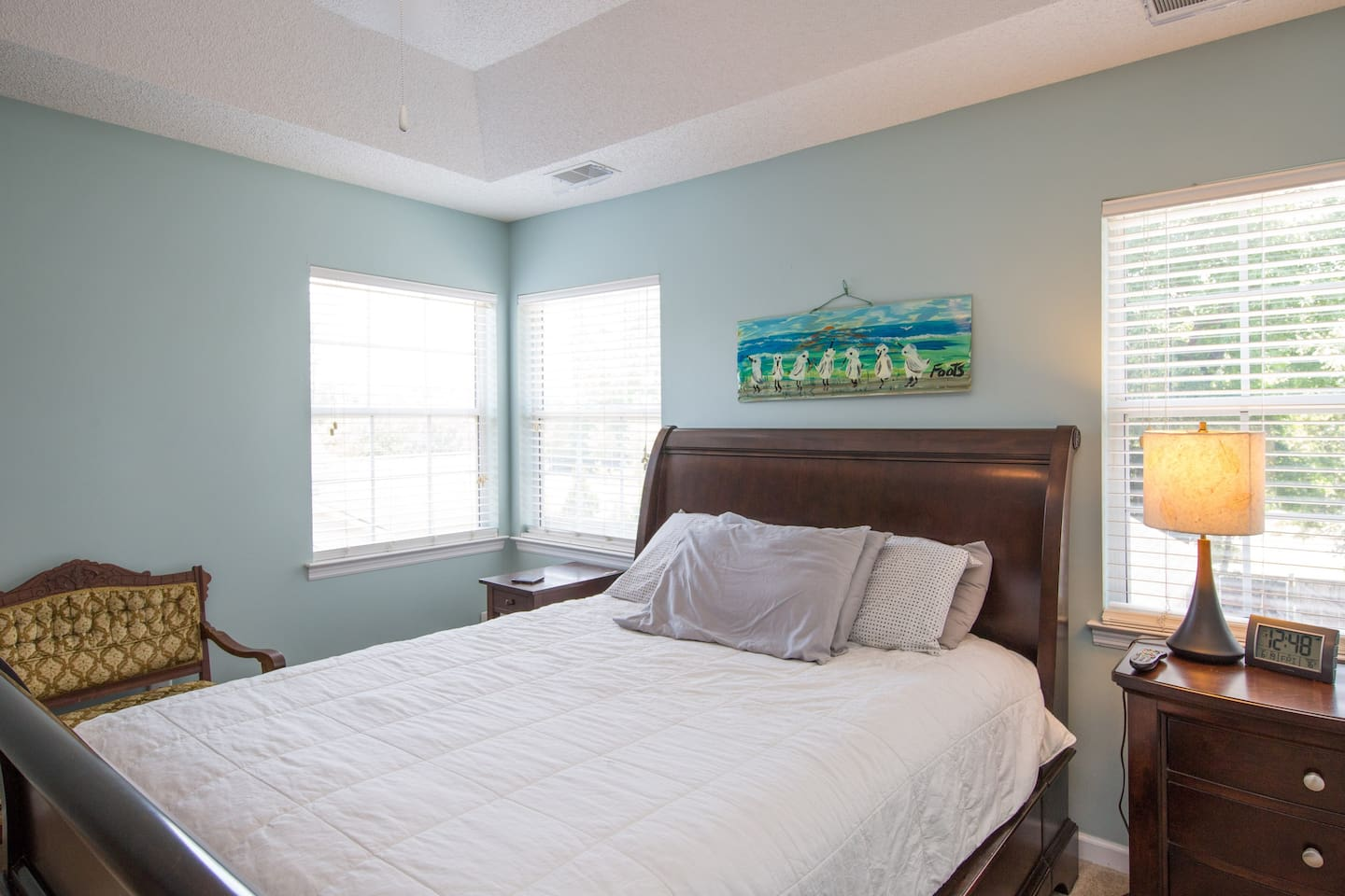 Nice and Spacious ! We want you to feel at home ! Queen size bed