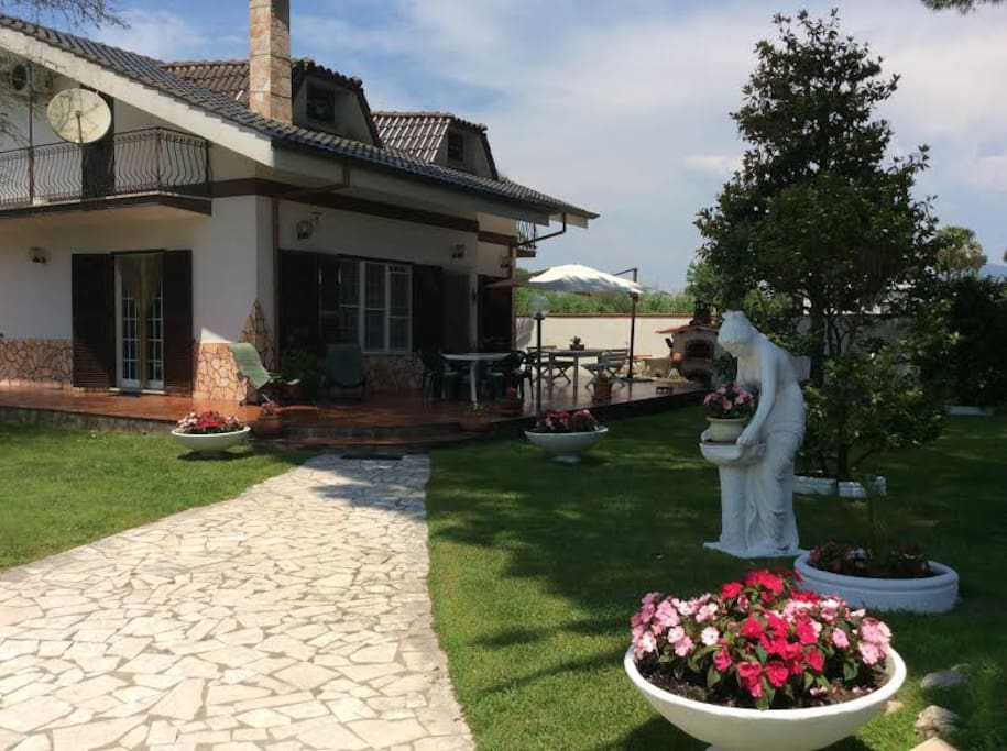 Independent villa San FeliceCirceo