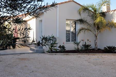 petite villa - Villa