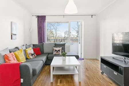 Bright 60sqm apartment & nice view - Stockholm