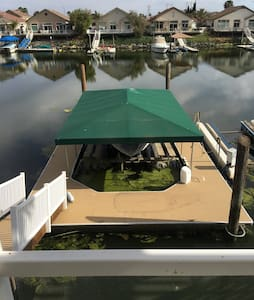 Deep water 4 Bedroom House W/Dock - House