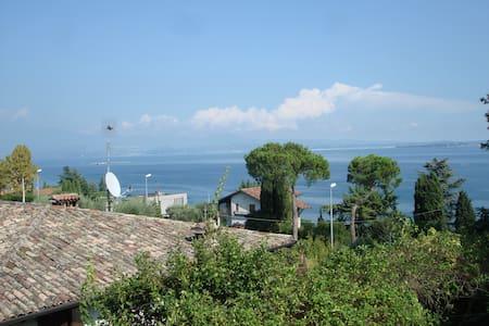 Ampio bilocale in villino vistalago - Padenghe Sul Garda - Villa