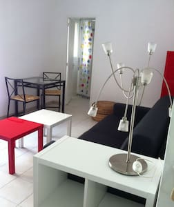 Room type: Entire home/apt Bed type: Couch Property type: Apartment Accommodates: 2 Bedrooms: 0 Bathrooms: 1