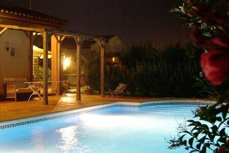 Villa next to Novo Santi Petri Golf - Chiclana de la Frontera - House