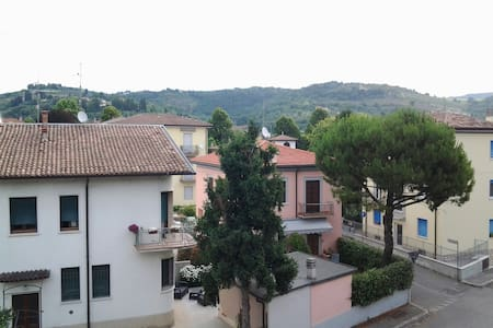 Double room with Verona hills view - Parona