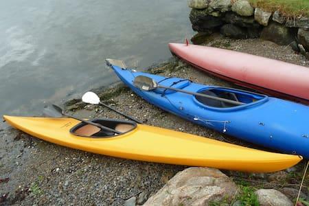 Fiske, bade, padle båtliv i fjorden - Cabanya