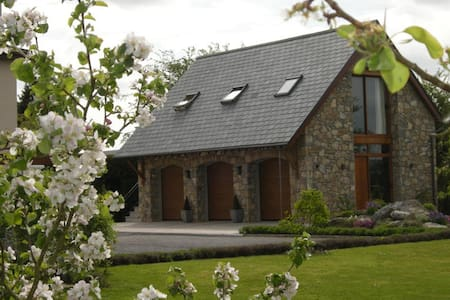Gorgeous Country Lodge  East Galway