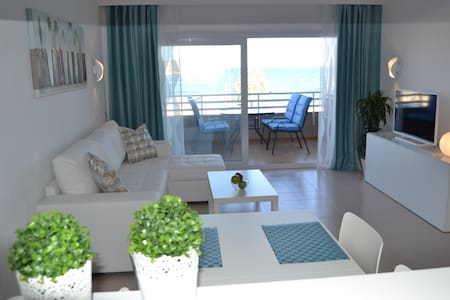 LUXURY APARTMENT WAVEHOUSE MAGALUF - Lägenhet