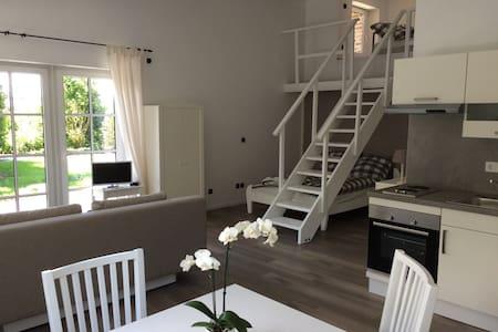 Moderne Ferien-& Messewohnung - Apartamento